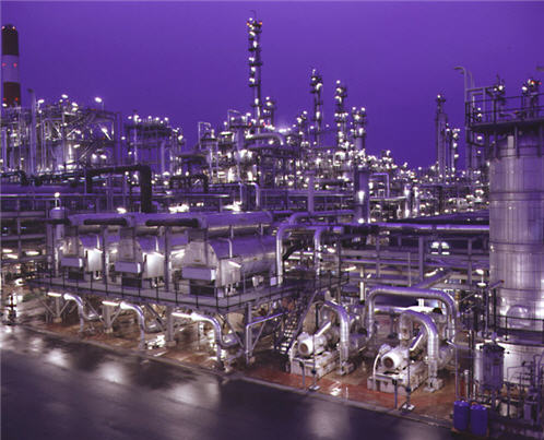 Oil refining is big business worldwide
