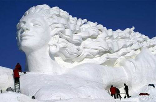 Snow sculpture 5