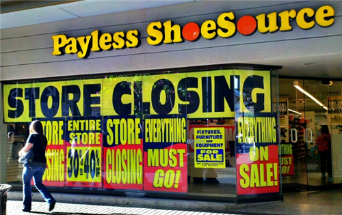 US retailers closing thousands of stores...